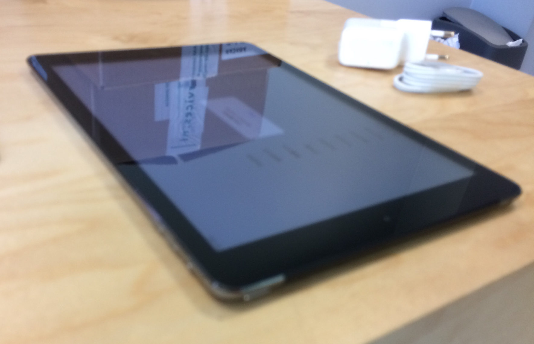 iPad Air (Wi-Fi + 4G), 64 GB, Space Gray, imagen 5