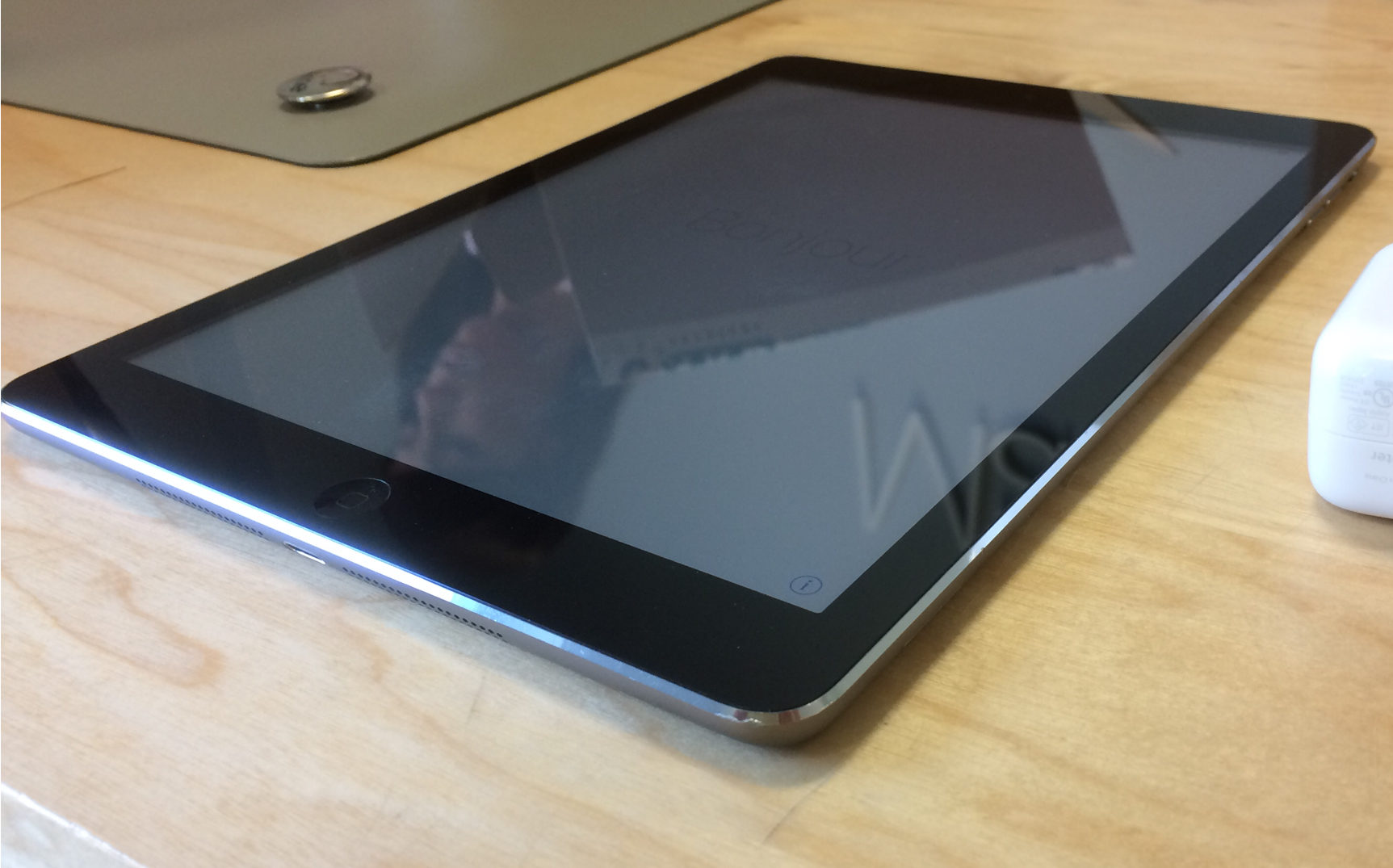 iPad Air (Wi-Fi + 4G), 64 GB, Space Gray, imagen 4