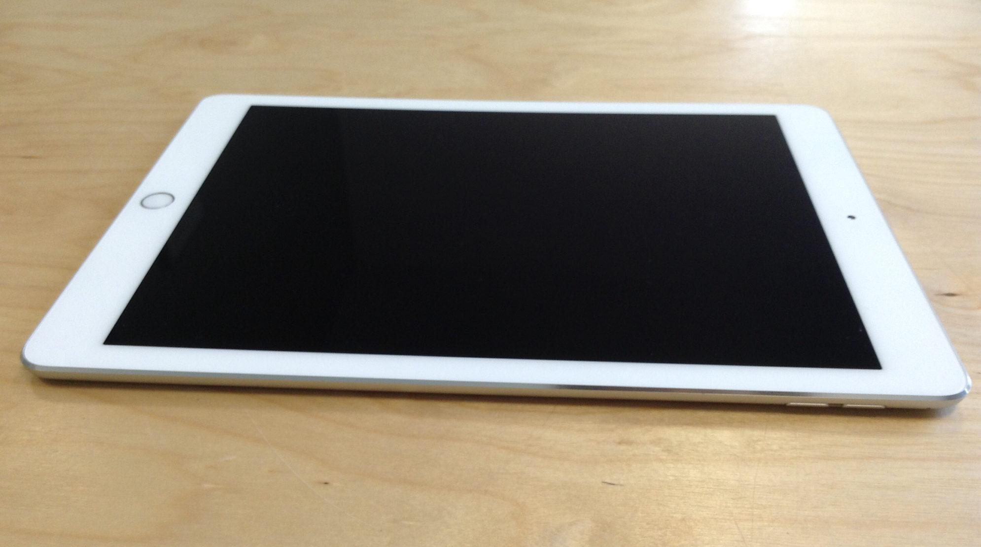 iPad Pro 9.7-inch (Wi-Fi), 128 GB, Gold, imagen 4