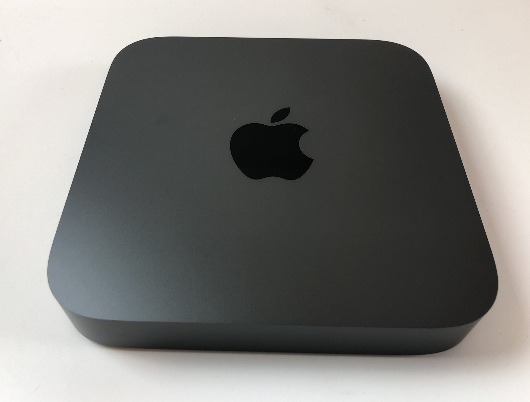Mac Mini Late 2018 (Intel Quad-Core i3 3.6 GHz 8 GB RAM 128 GB SSD), Intel Quad-Core i3 3.6 GHz, 8 GB RAM, 128 GB SSD, imagen 1