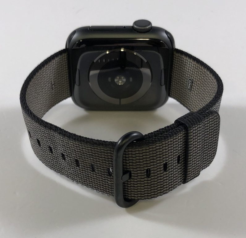 Watch Series 4 Aluminum (44mm), Space Gray, Woven nylon, imagen 2