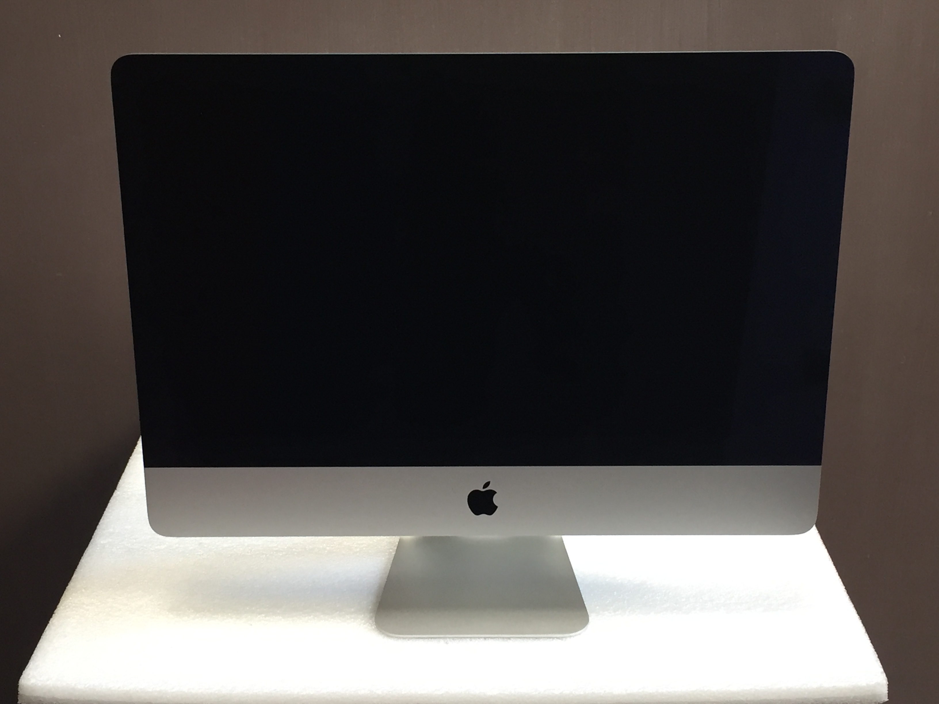 "iMac 21.5"" Late 2013 (Intel Quad-Core i5 2.7 GHz 8 GB RAM 1 TB HDD), Intel Quad-Core i5 2.7 GHz, 8 GB RAM, 1 TB HDD, imagen 1"
