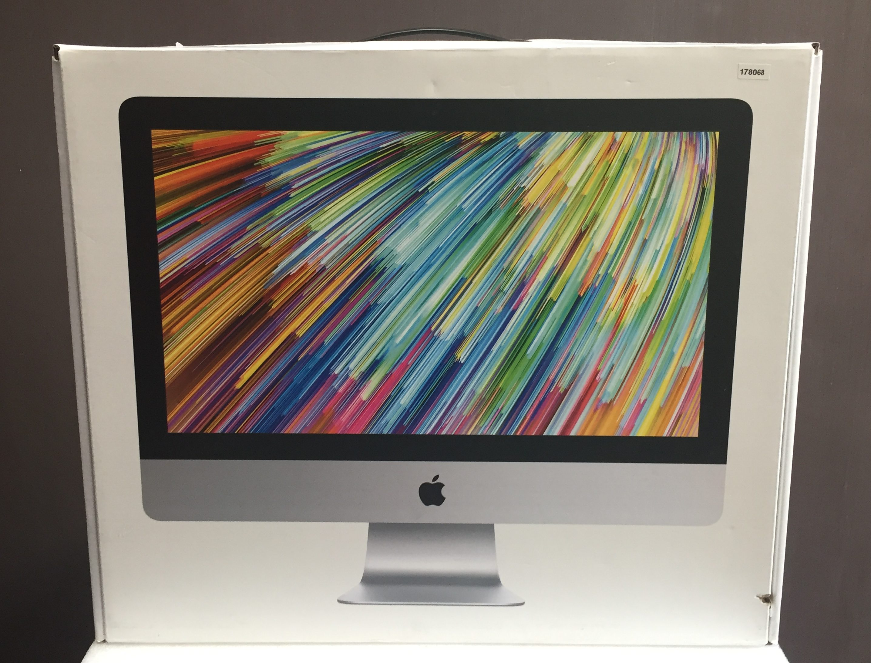 "iMac 21.5"" Late 2013 (Intel Quad-Core i5 2.7 GHz 8 GB RAM 1 TB HDD), Intel Quad-Core i5 2.7 GHz, 8 GB RAM, 1 TB HDD, imagen 9"
