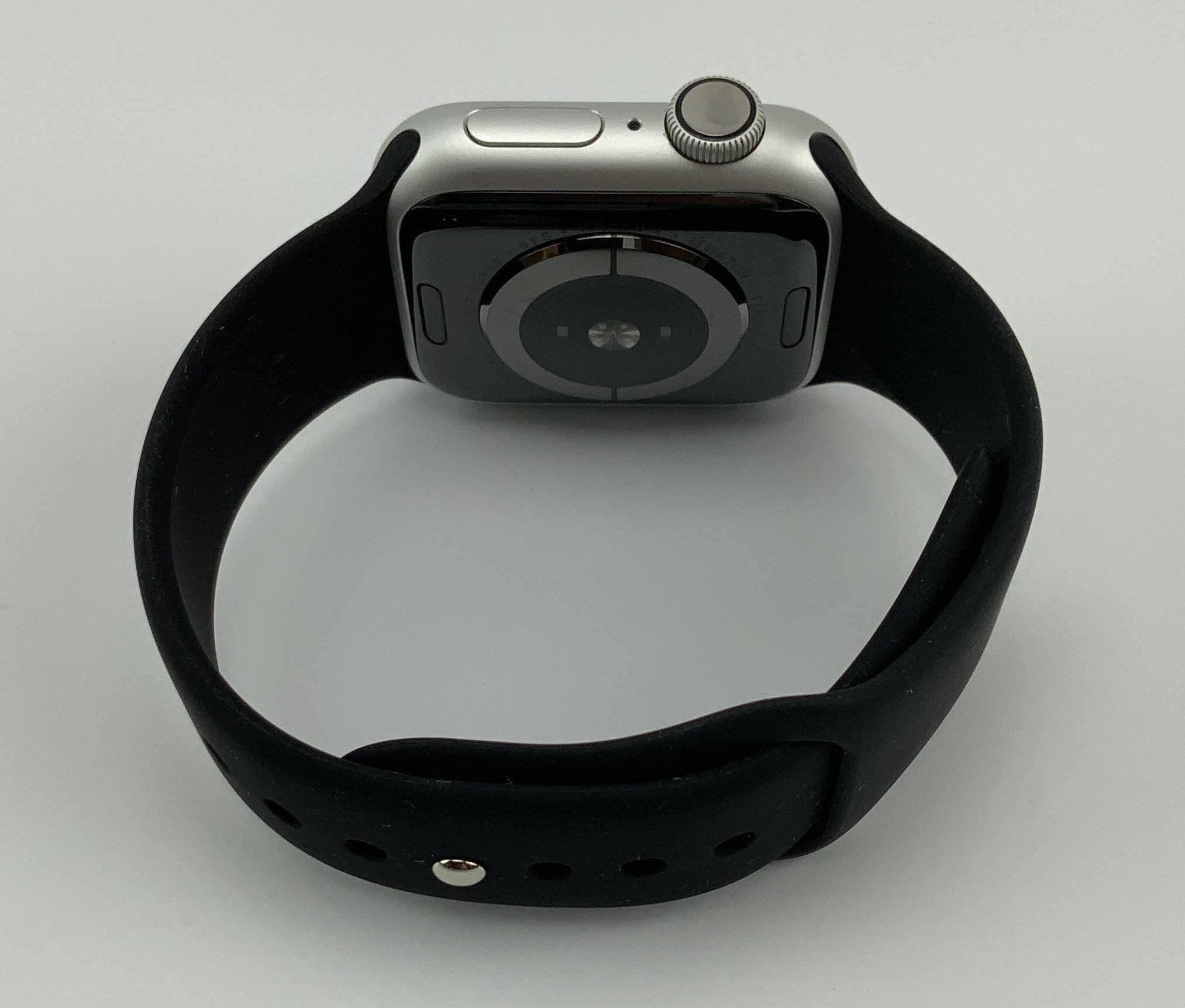 Watch Series 4 Aluminum (40mm), Silver, Black Sport Band, Kuva 2