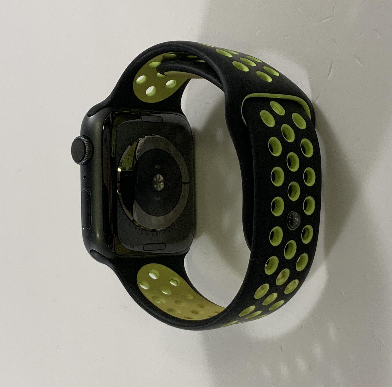 Watch Series 4 Aluminum (44mm), Space Gray, Black/Volt Nike Sport Band, bild 4