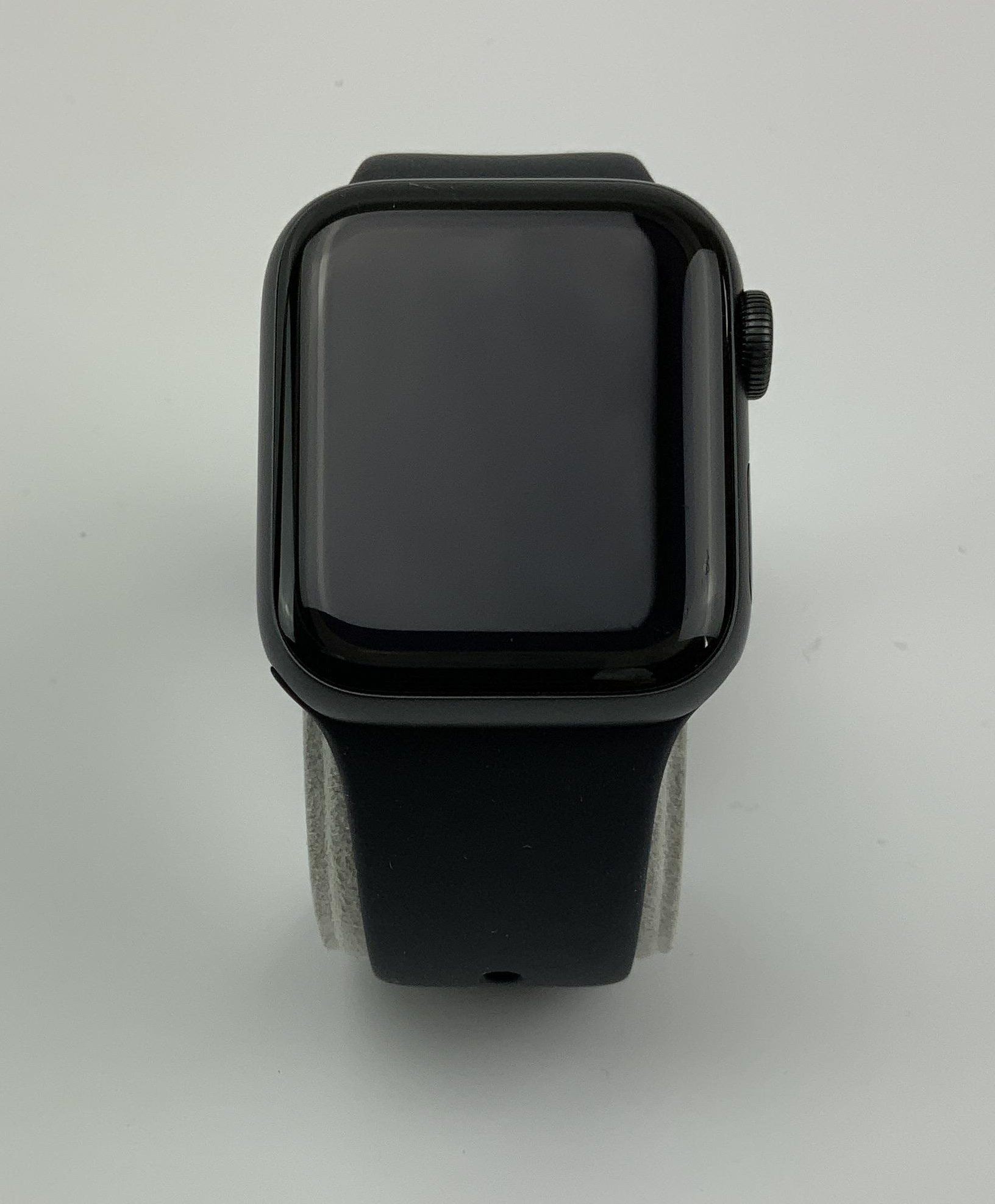 Watch Series 5 Aluminum Cellular (40mm), Space Gray, Kuva 1
