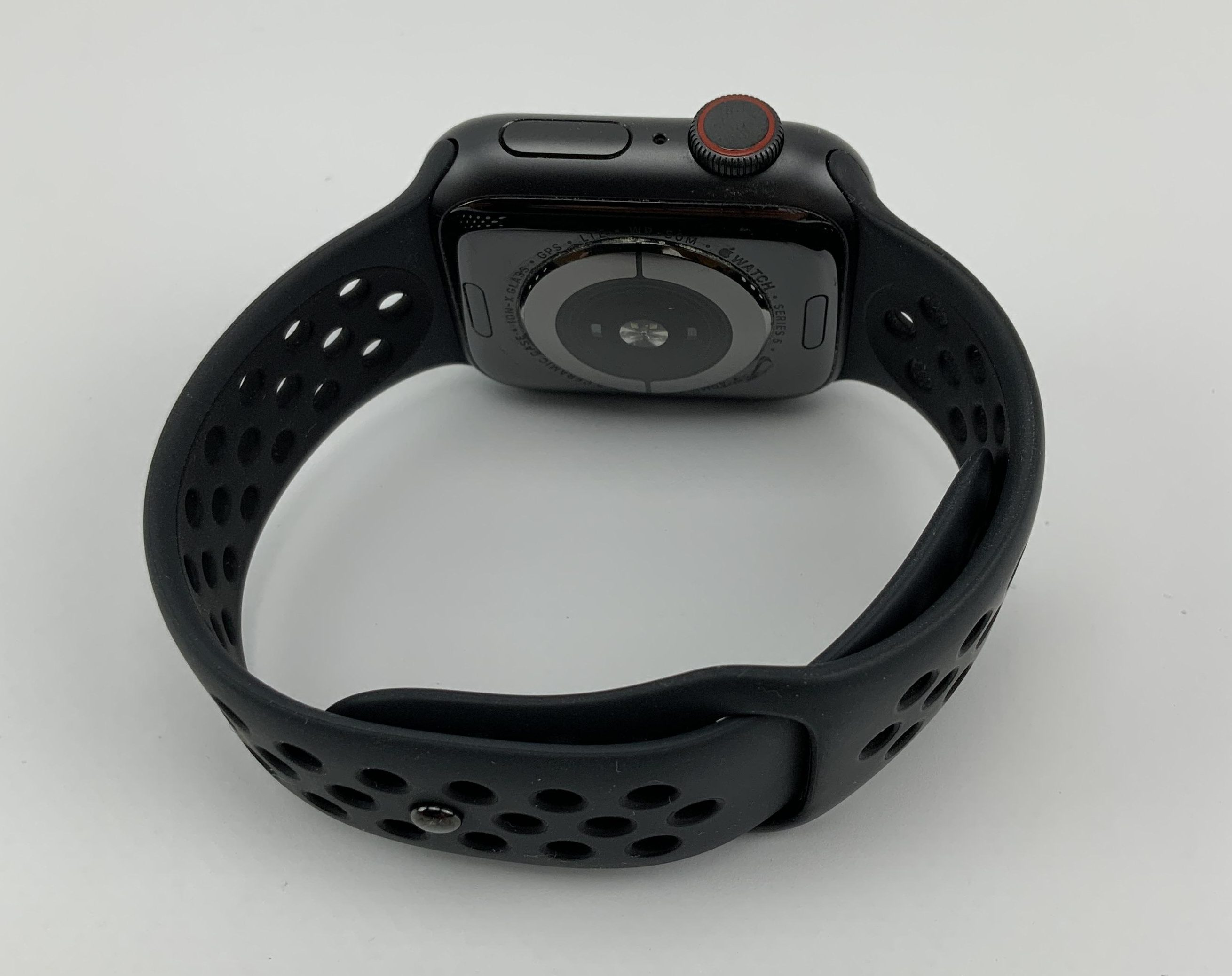 Watch Series 5 Aluminum Cellular (40mm), Space Gray, Kuva 2